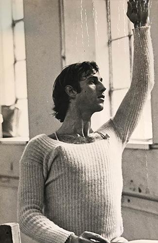 Yehuda Maor dancing