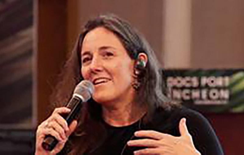 Esther Van Messel